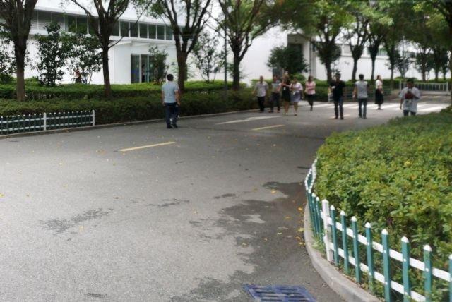 Życie w fabrykach Huawei w Songshan Lake (Dongguan) toczy się swoim rytmem