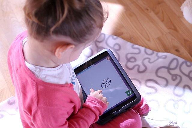 Test na autyzm trwa tylko kwadrans, podczas którego dzieci grają w specjalnie dobrane gry.