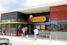 """Sklepy sieci Biedronka miałyby się stać """"swoistą restauracją z jedzeniem na wynos""""."""