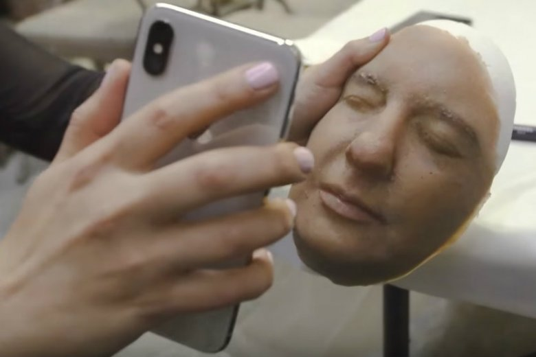 Firma z Wietnamu złamała Face ID do iPhone'a X