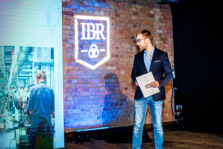 Michał Wojas podczas prelekcji na Kongresie Next Generation