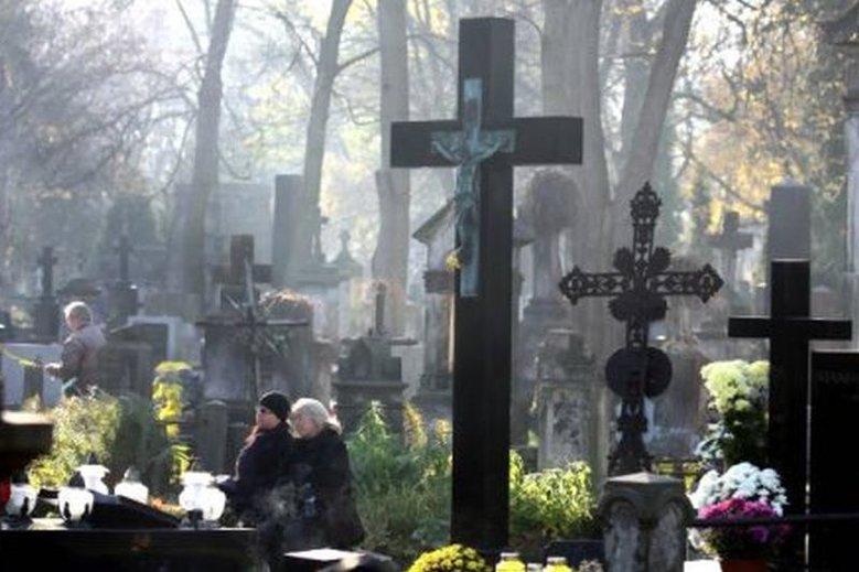 Na Powązkach do tej pory pochowano ok. 1 mln osób