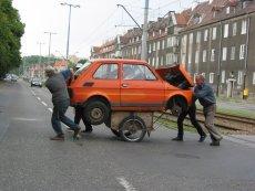 Za wprowadzenie w błąd przez sprzedawcę używanych samochodów należy się odszkodowanie.