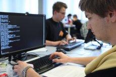 C_School chwali się 60 chętnymi na jedno miejsce. Praca programisty kusi młodych ludzi