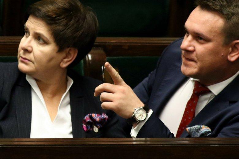 Premier Beata Szydło i poseł Dominik Tarczyński.