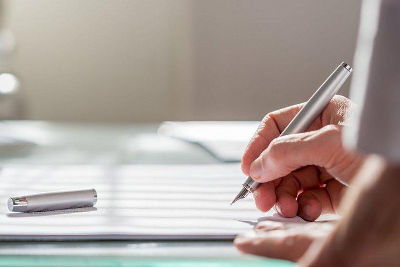 Przed zaciągnięciem pożyczki dobrze sprawdzić nie tylko wskaźnik RRSO, ale także dodatkowe parametry takie jak minimalny i maksymalny okres spłaty