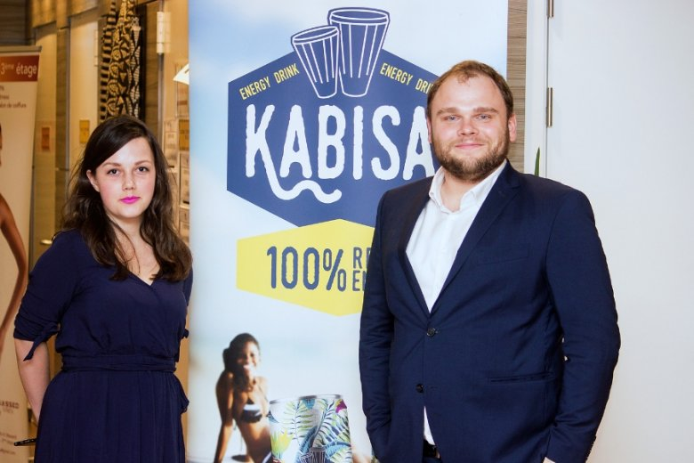 Kaja i Tomasz Nowowieyski, założyciele Mutalo Group, wcześniej przez kilka lat pracowali w Afryce dla niemieckiego funduszu Rocket Internet.