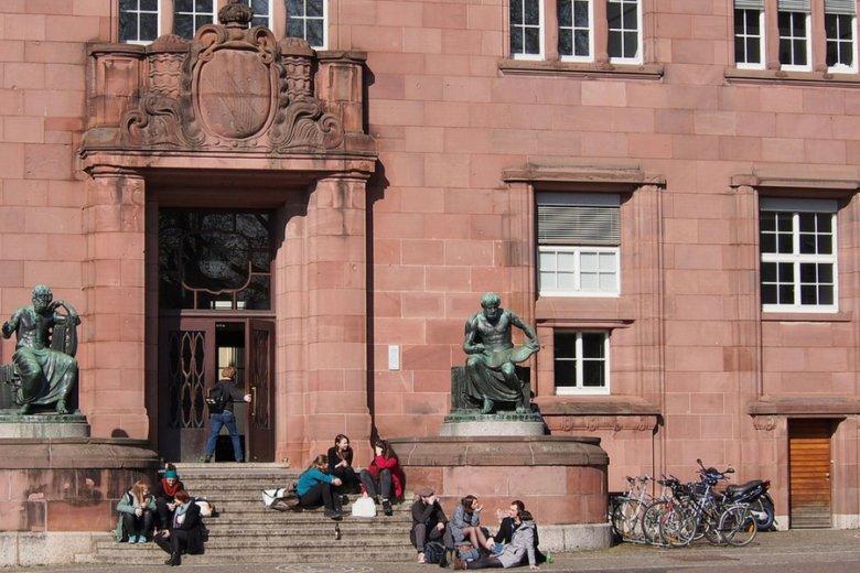 W Polsce jest około 500 uczelni, w Niemczech - dwieście na dwukrotnie większą populację.