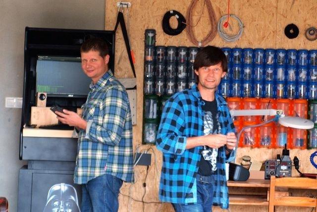 AI Speaker i AIS dom naprawdę powstały w garażu