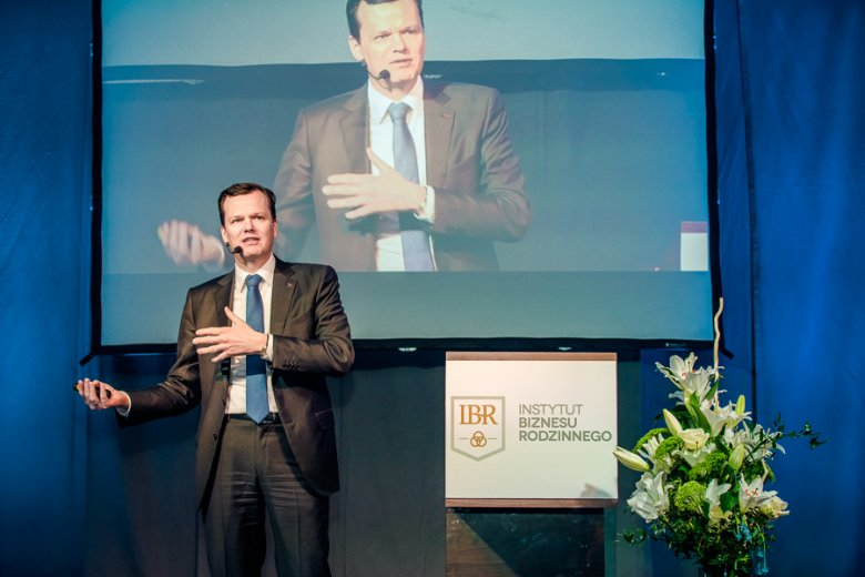 Ewald Raben podczas prelekcji na II Międzynarodowym Kongresie Firm Rodzinnych