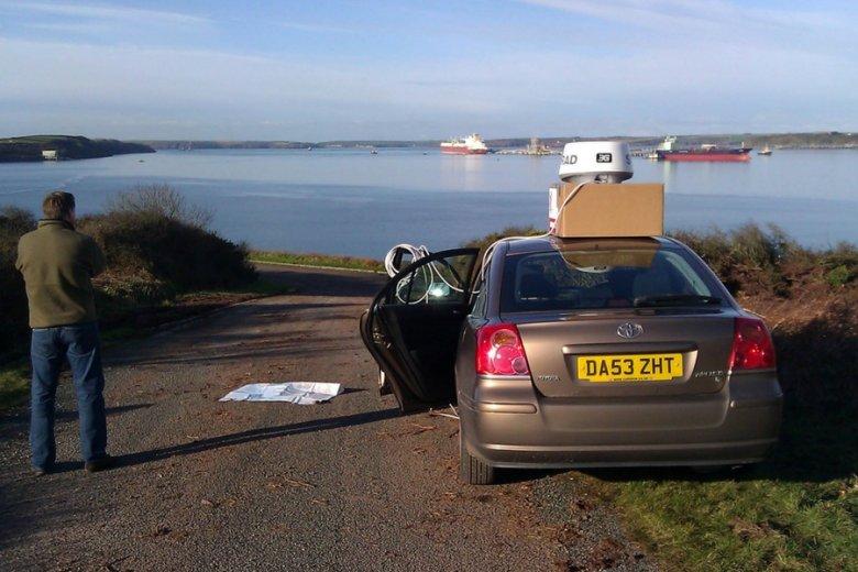 Testy zarządzania systemem z auta prowadzone w Milford Haven.