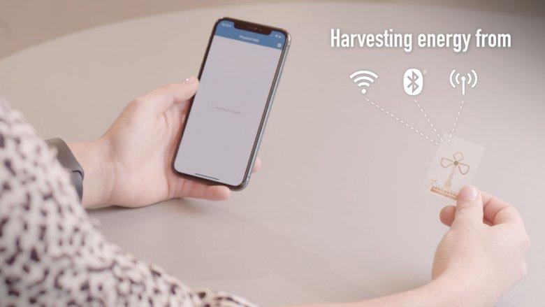 Mały jak znaczek pocztowy i cienki niczym papier czip Bluetooth pobiera energię z powietrza.