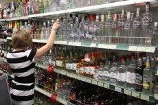 Które miasta wprowadziły zakaz sprzedawania alkoholu w nocy? Najnowszym z nich jest Nowy Sącz