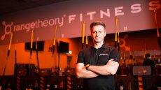 Właściciel warszawskich klubów fitness Radosław Jarmuła domaga się od państwa odszkodowania za straty poniesione z powodu ograniczeń związanych z epidemią koronawirusa.