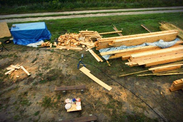 Państwo Jasińcy kupili działkę koło Nowego Sącza i rozpoczęli budowę domu. Do do momentu wstrzymania robót przez urzędników zdążyli wydać na tę inwestycję około 200 tys. zł.