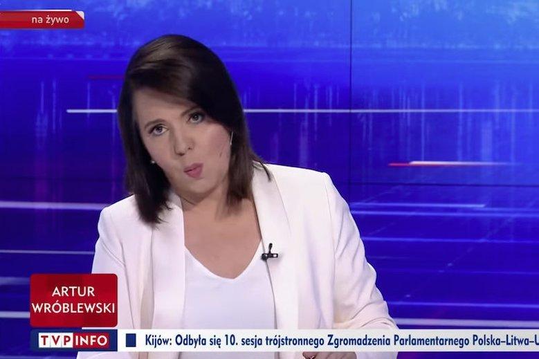 """Danuta Holecka, główna twarz """"Wiadomości"""" (podczas rozmowy z Katarzyną Lubnauer robiła dziwne miny)"""