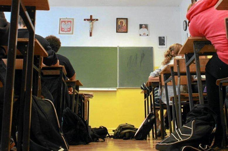 Zarobki polskiego nauczyciela na tle kolegów z reszty Europy nie wypadają najlepiej.