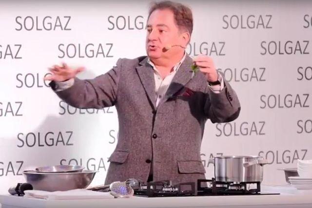 Robert Makłowicz prezentuje możliwości nowej kuchenki Solgazu