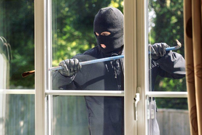 Złodzieje włamują się do mieszkań głównie przez okna