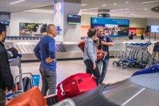 Nadawanie bagażu to kłopot dla wielu pasażerów. Ponad połowa rezygnuje rejestracji walizki, ponieważ nie chce na niego czekać.
