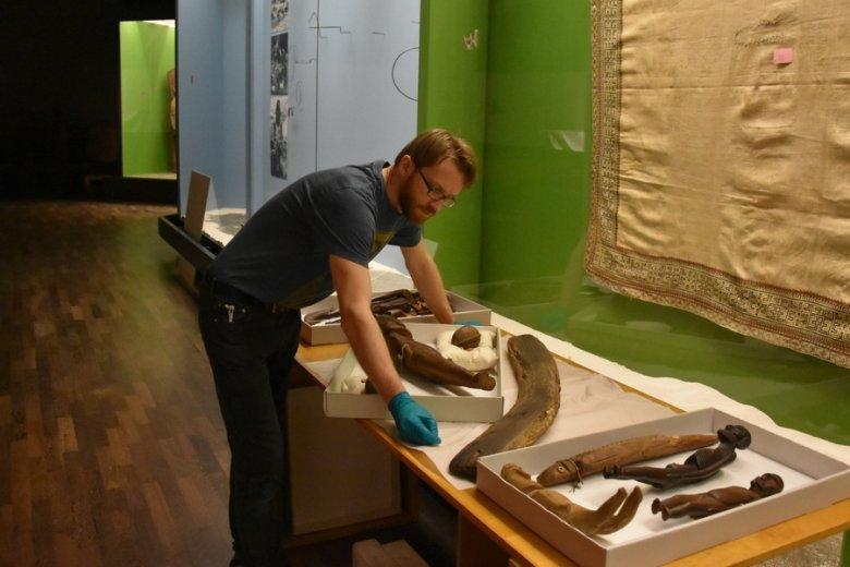 Tablice z pismem rongorongo są rozsiane po muzeach na całym świecie.