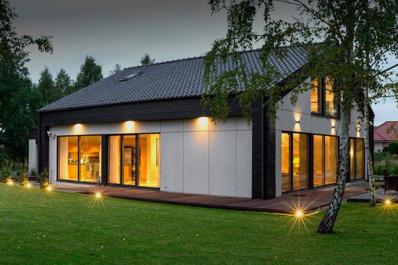 Nowoczesne i inteligentne domy Eco Ready House są próbą przeniesienia na polski grunt  rozwiązań technicznych, wizualnych i materiałowych z domów w stylu skandynawskim