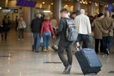 """Atak pod pretekstem RODO nie przypadkiem został zaplanowany w weekend: Polacy w podróży nie będą się długo zastanawiać nad SMS-em od """"Operatora""""."""