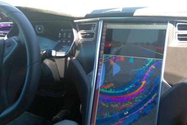 Tak widzi świat prototypowe rozwiązanie w półautonomicznej Tesli