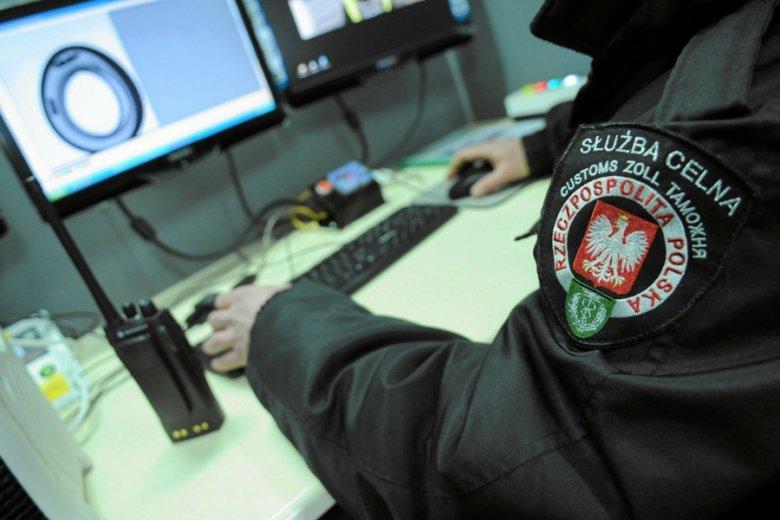 Uprawnienia do ścigania przestępców podatkowych będą mieli nie tylko celnicy, ale też policjanci i strażnicy miejscy.