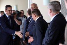 Mateusz Morawiecki ograniczył liczbę ministrów i wiceministrów, ale nadal ma ich w gabinecie ponad setkę.