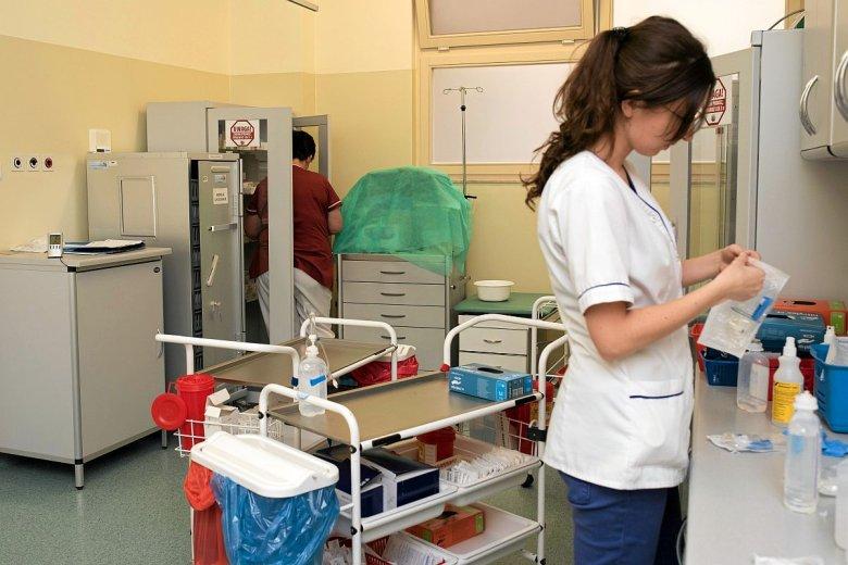 Do końca przyszłego roku uprawnienia emerytalne nabędzie - czyli będzie mogło przejść na emeryturę - 44 proc. aktualnie pracujących pielęgniarek.