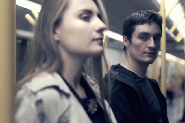 Fragment spotu, promujący kampanię społeczną.