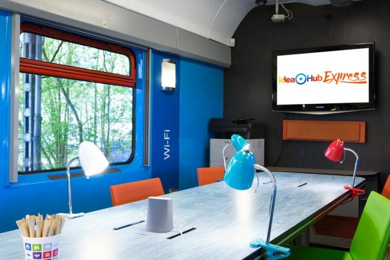 W Idea Hub Express podróżni będą mogli korzystać ze skanera, drukarki czy ekranu.