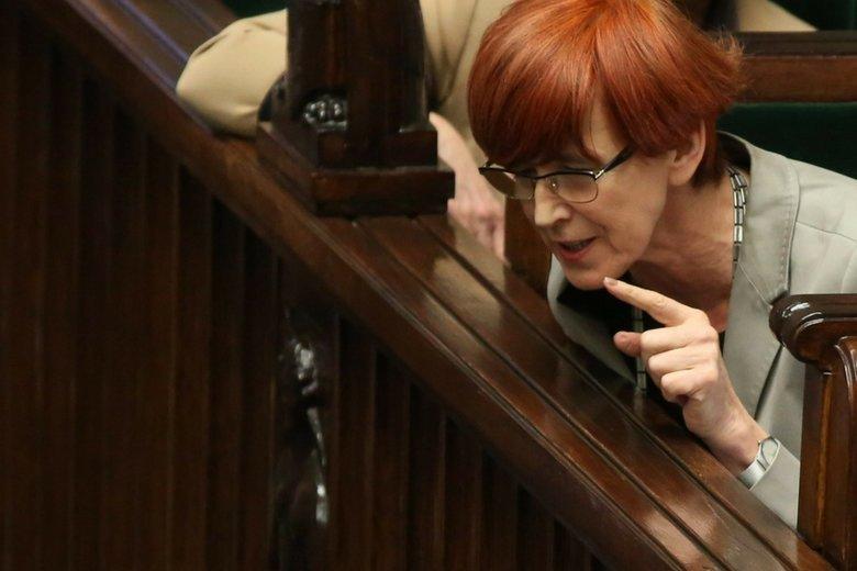 Minister Rafalska chyba niezbyt dobrze policzyła koszt matczynych emerytur