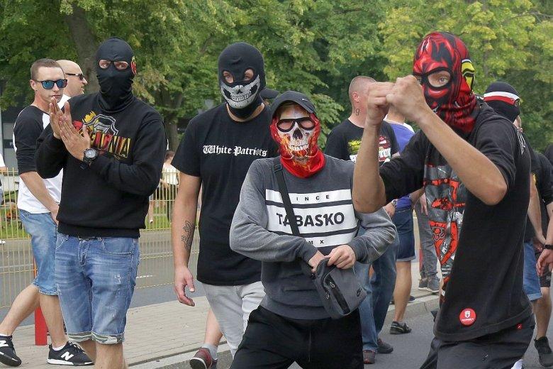 Fundacja, która organizowała blokady Marszu Równości w Białymstoku dostanie od rządu 700 tys. zł