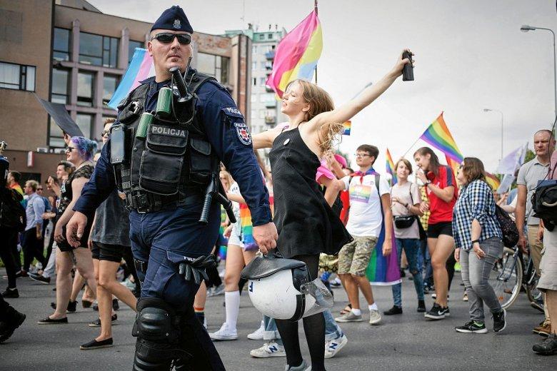 Policjanci mają nierozliczone 2,7 miliona nadgodzin.