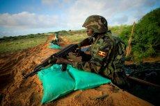 Polska firma miała dostarczyć broń afrykańskiej misji pokojowej. Umowę blokują MSZ i MPiT, a wart 38 mln dolarów kontrakt może trafić do Rosjan.