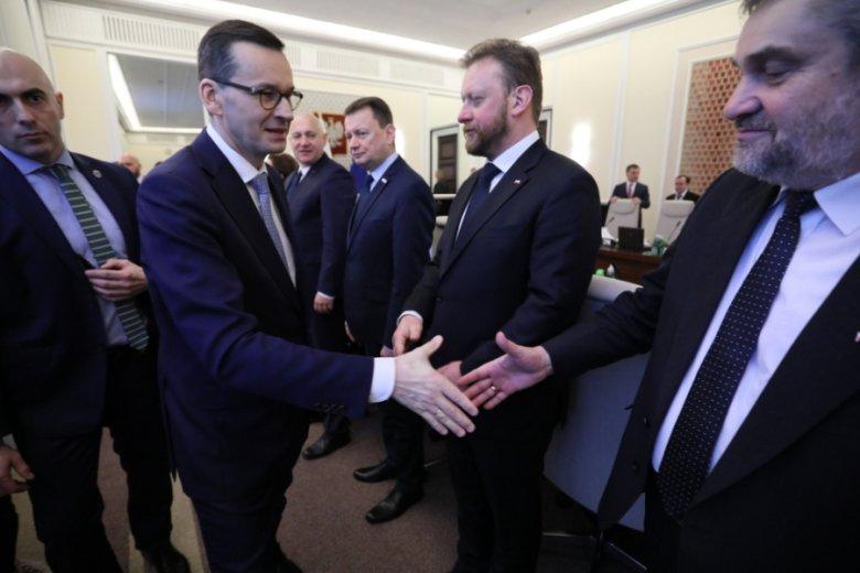 Premier Mateusz Morawiecki i minister rolnictwa Jan Krzysztof Ardanowski forsują nowe pomysły na uregulowanie handlu w Polsce.