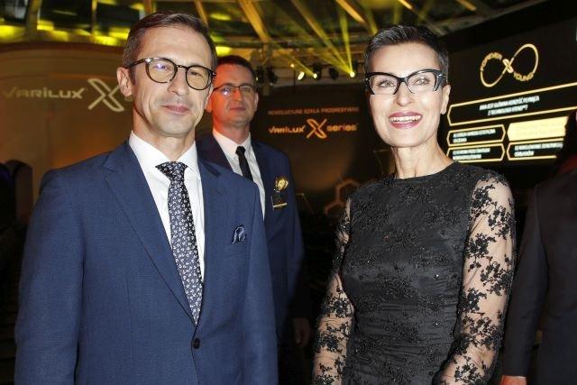 Adam Mamok, Dyrektor Zarządzający Essilior Polonia i Danuta Stenka, ambasadorka marki Varilux