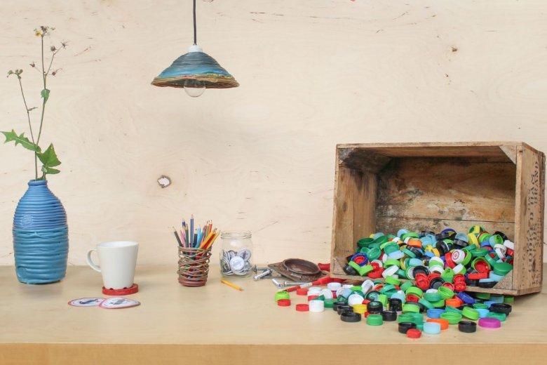 Plastikowa Rewolucja to część projektu Precious Plastic. Ich cel to rozprawienie się w kreatywny sposób z plastikiem.