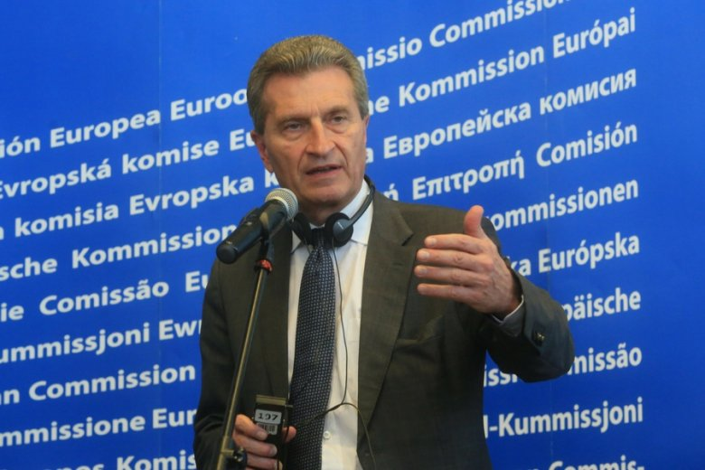 Komisarz UE ds. budżetu Guenter Oettinger.