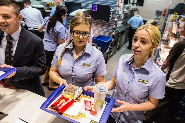 Kobiety w McDonald's nie muszą obawiać się szklanego sufitu.