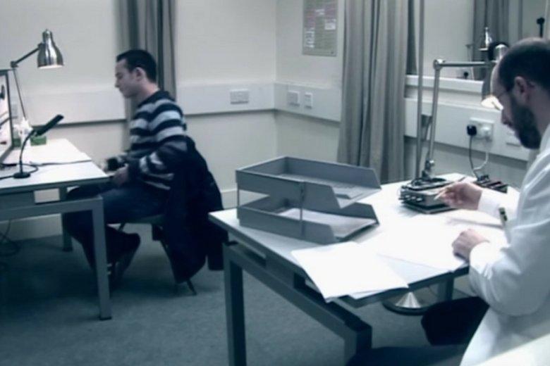 Jedna z prób powtórzenia eksperymentu Stanley'a Milgrama.