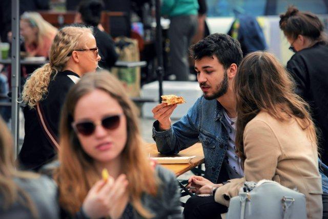 """Street Food Polska to portal promujący uliczne jedzenie, również te w wersji """"fast"""". Tym razem jeden z jego blogerów postanowił jednak przestrzec czytelników przed zbytnią ufnością w uczciwość niektórych sprzedawców"""