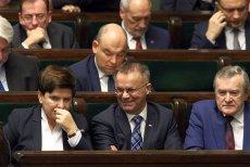Premier Szydło obok jednego z setki wiceministrów - Jarosława Sellina z resortu kultury