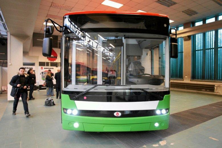 Elektryczny autobus z fabryki Ursusa.