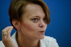 """Minister przedsiębiorczości i technologii Jadwiga Emilewicz powiedziała, że afera KNF to """"wypadek przy pracy."""