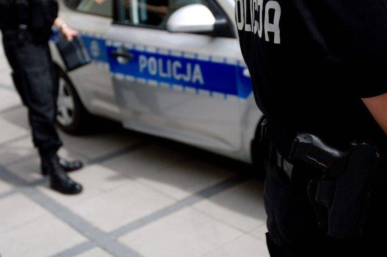 Praca w policji to często zarobki rzędu 1800 zł na rękę