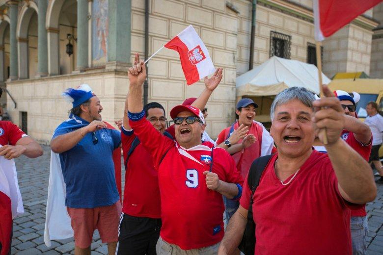 Aż 28 proc. Polaków jest skłonna opuścić pracę dla meczu mundialowego