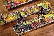 Sklep musiałby płacić 10 groszy za każdy wyrzucony kilogram żywności.